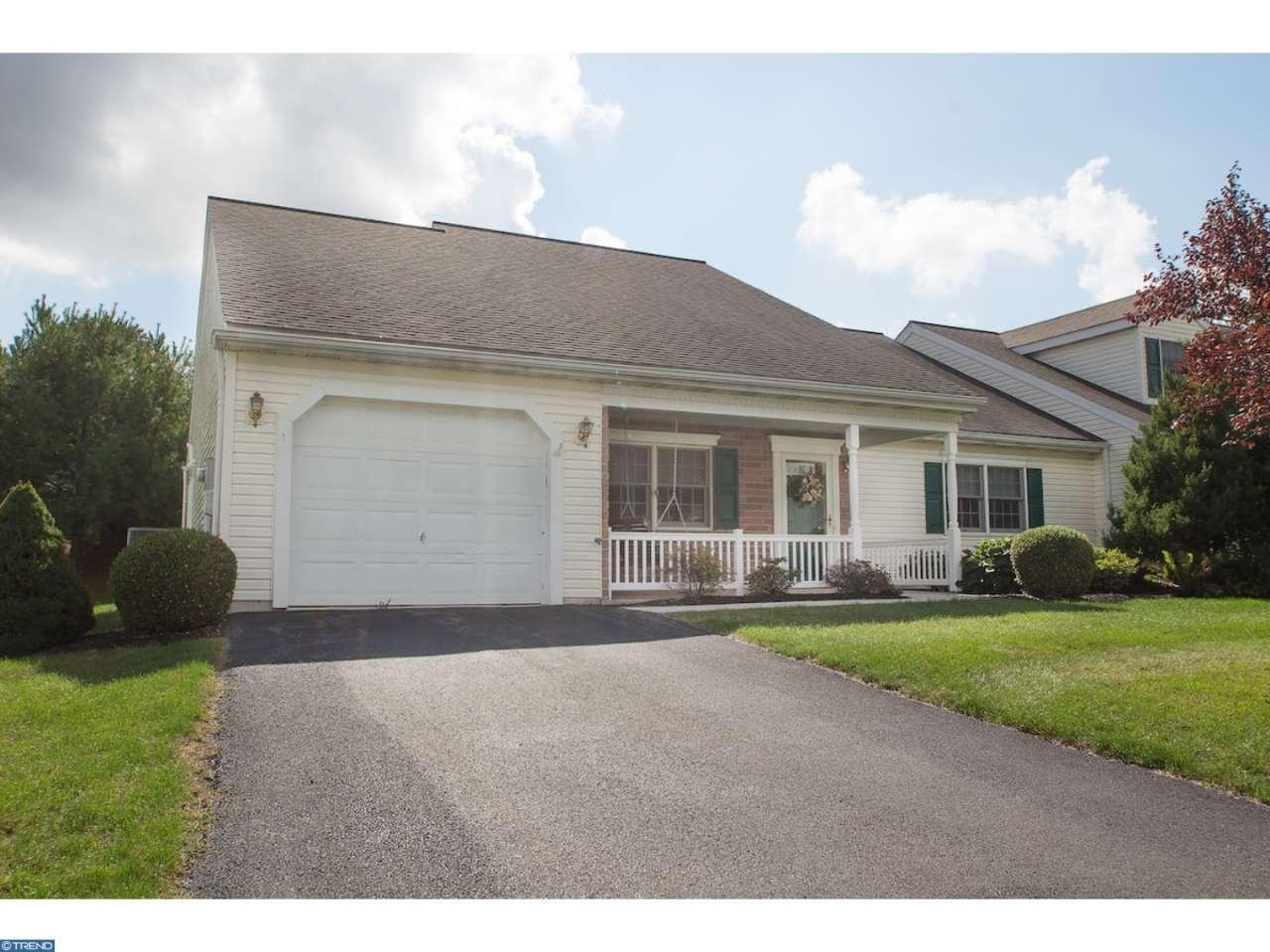 2526 School House Ln, Narvon, PA 17555