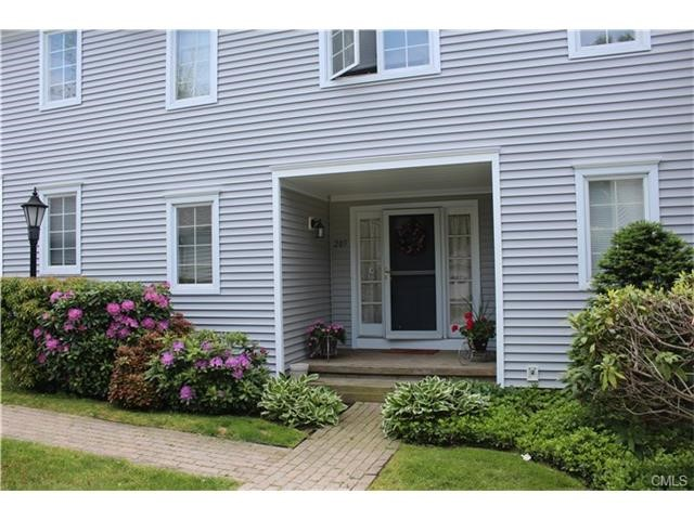 205 Hickory Woods Ln, Stratford, CT 06614