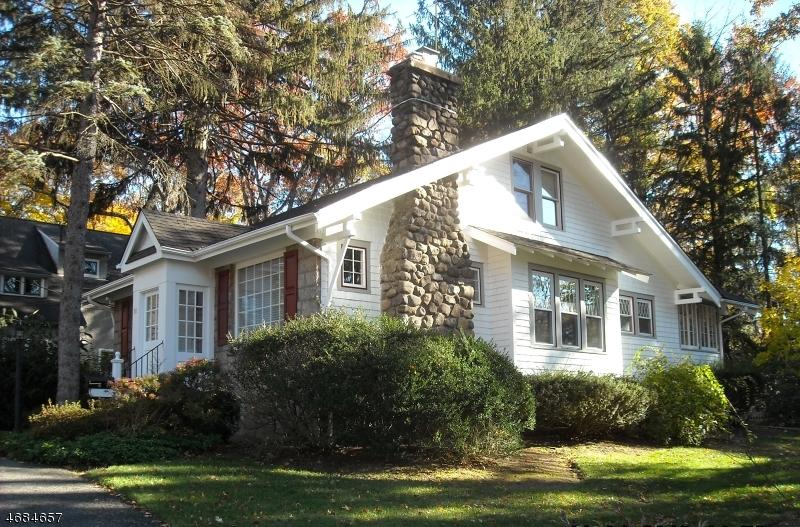 88 Powell Rd, Allendale, NJ 07401