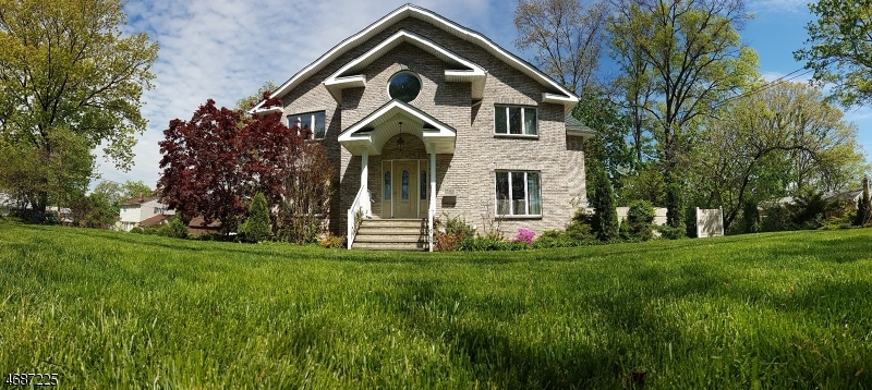 798 Lake Shore Dr, Parsippany, NJ 07054