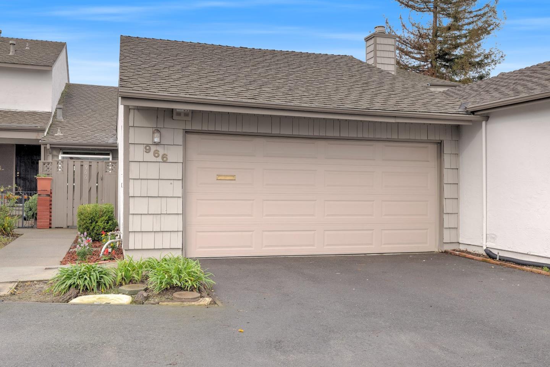 966 Marquette Ln, Foster City, CA 94404
