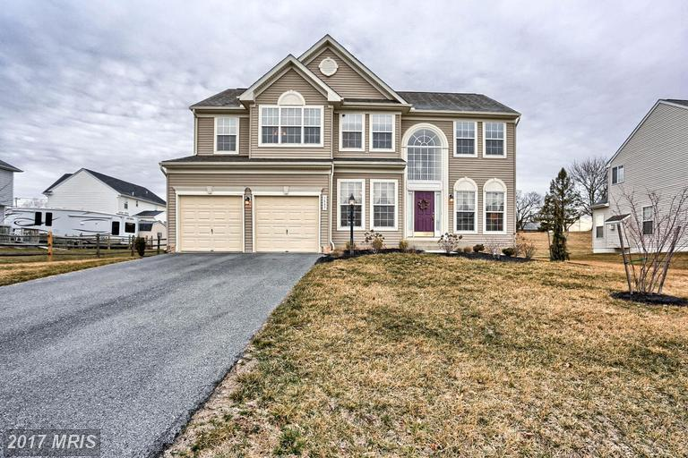 3887 Rolling Hills Dr, Greencastle, PA 17225