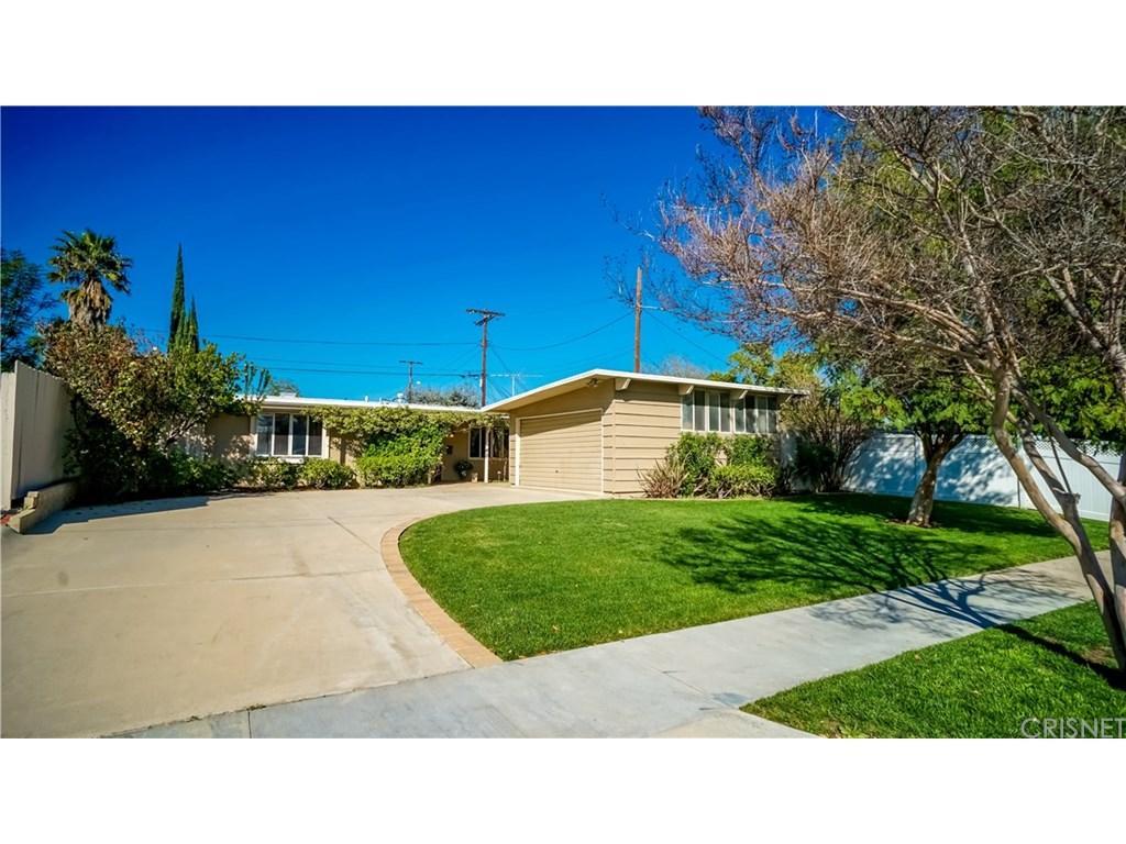 17045 Los Alimos St, Granada Hills, CA 91344