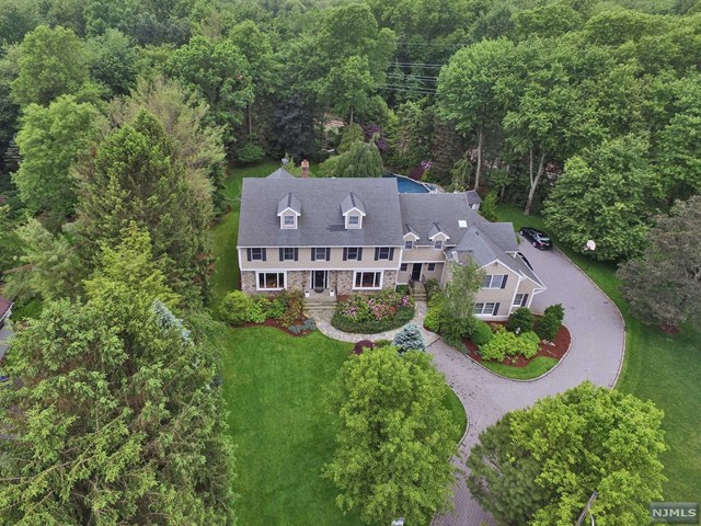 9 Old County Ct, Demarest, NJ 07627