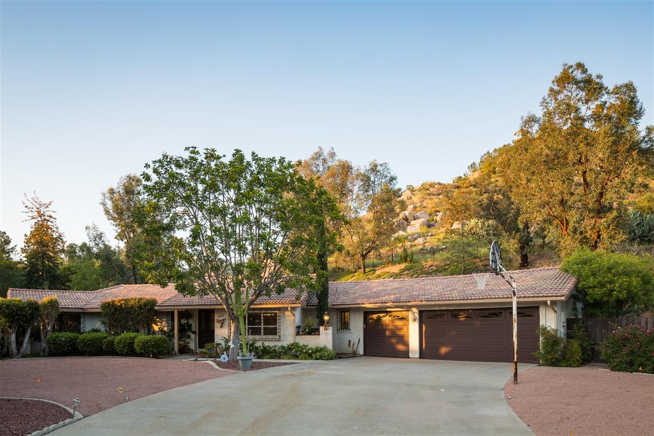 1050 Rancho Valle Ct, El Cajon, CA 92020