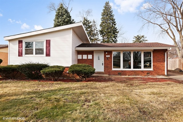 714 S Ahrens Ave, Lombard, IL 60148
