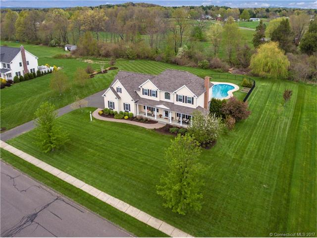 8 Melrose Ln, Suffield, CT 06078