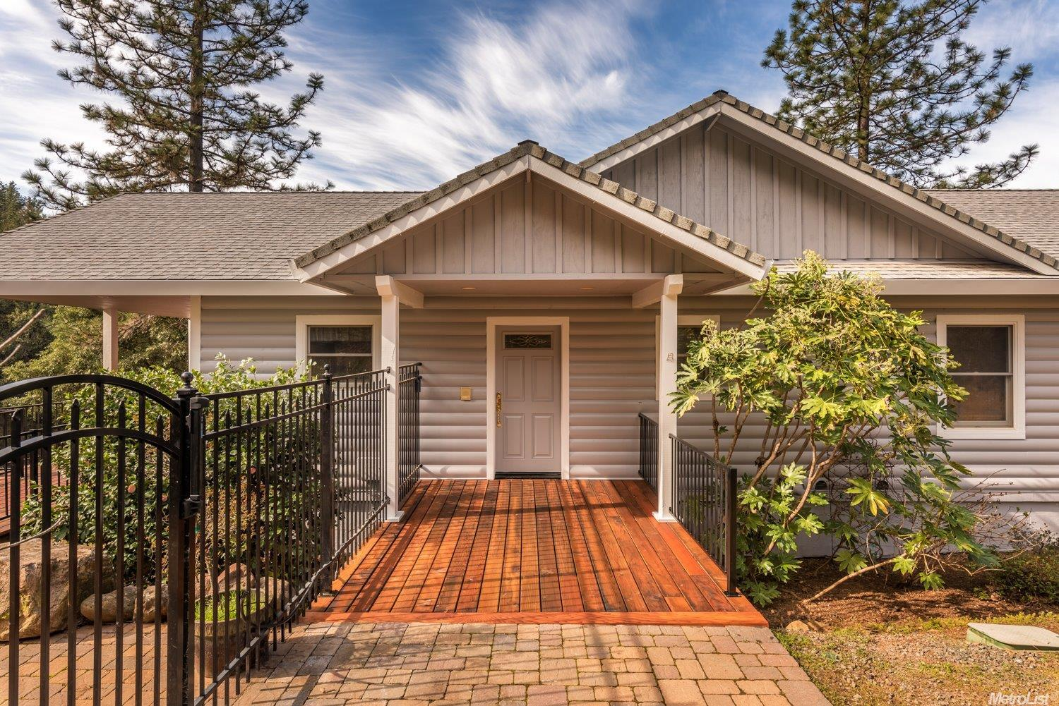 20825 Indian Dr, Colfax, CA 95713