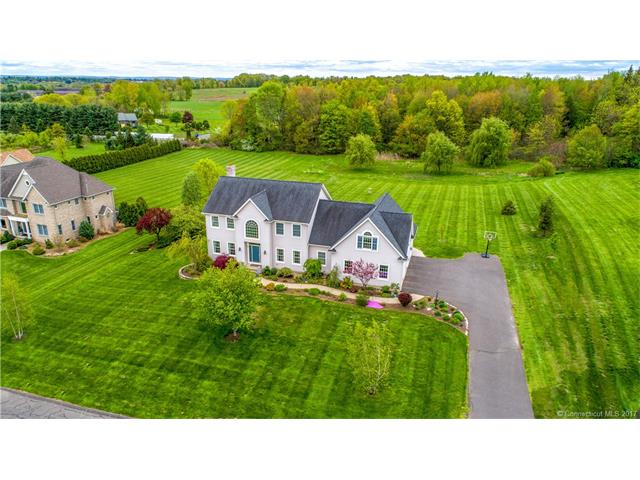 35 Highland Ridge Dr, Suffield, CT 06078
