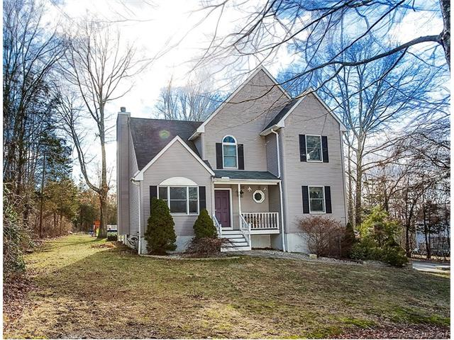 61 Huntington Dr, Plainfield, CT 06374