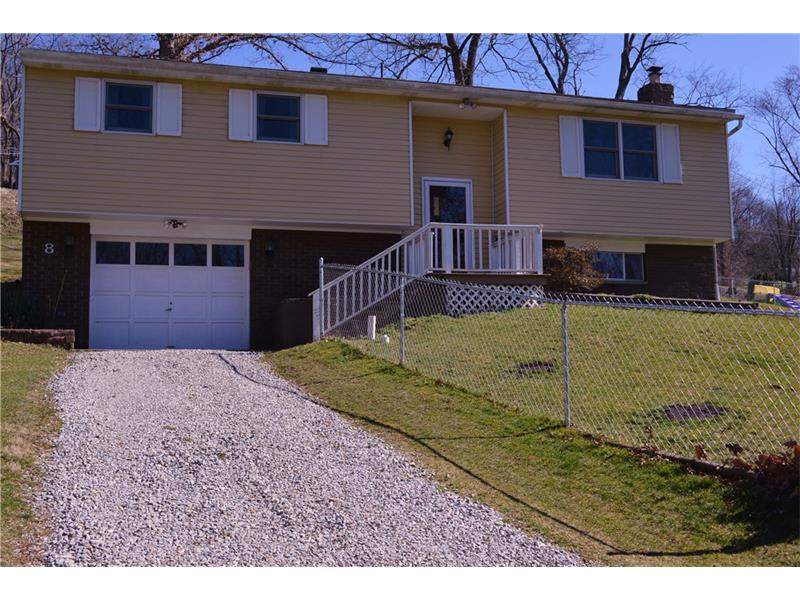 8 Bishop Aly, Cecil, PA 15321
