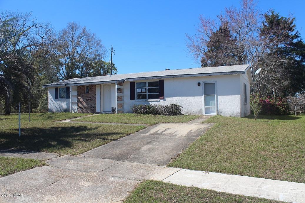 4076 Fairbanks Dr, Chipley, FL 32428