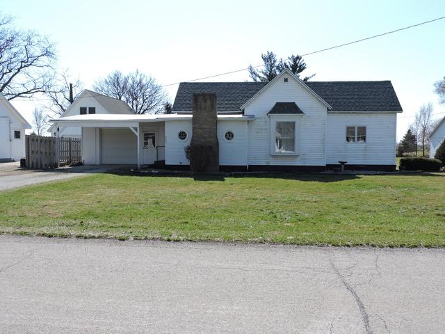 403 South St, Crescent City, IL 60928