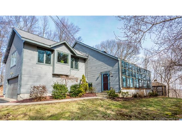 13 Somers Ln, Oxford, CT 06478