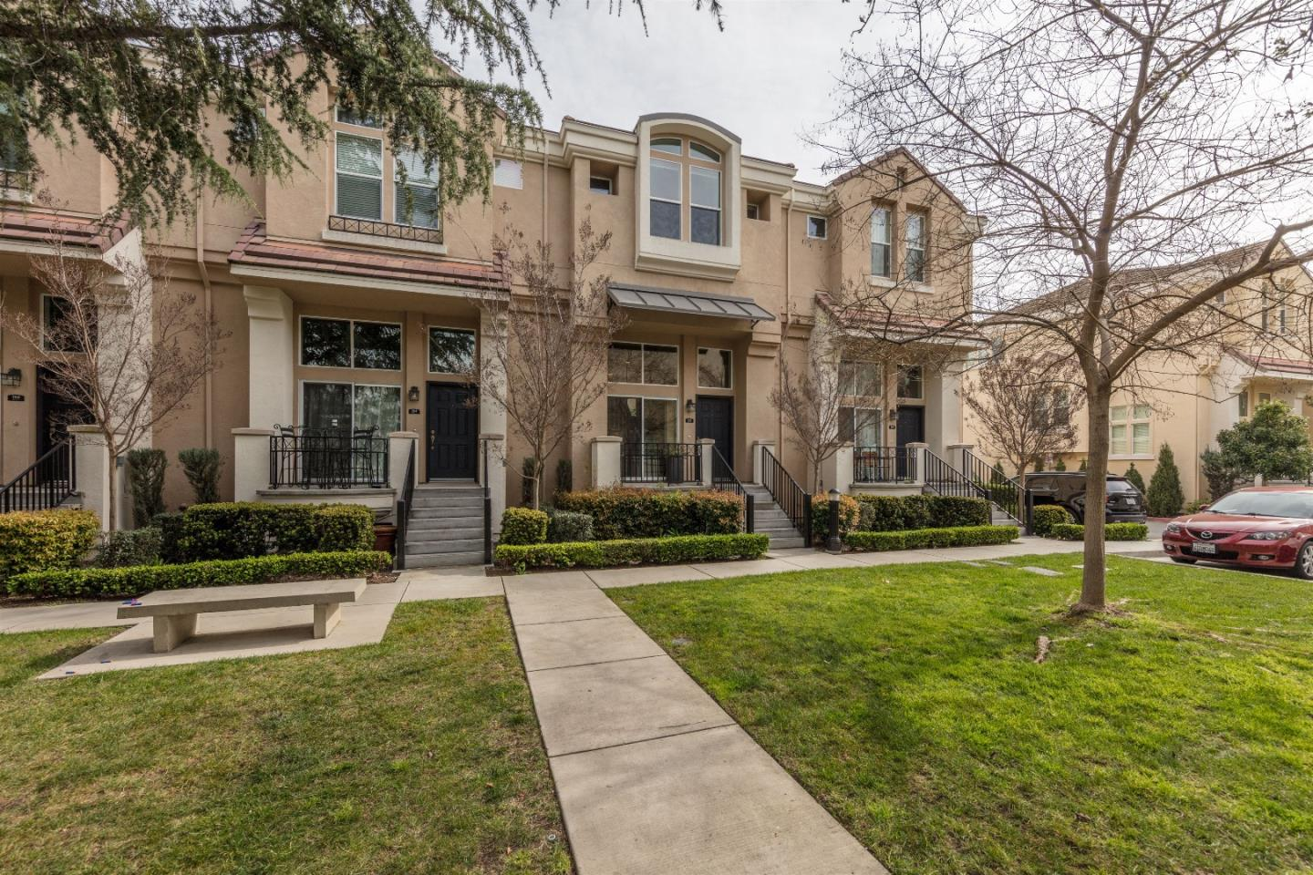 162 Oberg Ct, Mountain View, CA 94043