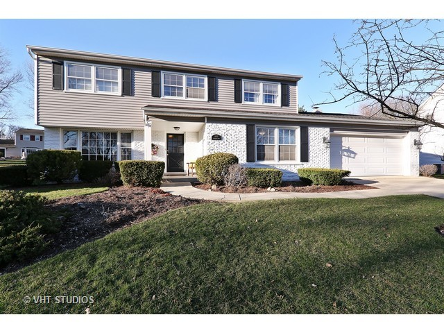1480 Coral Berry Ln, Downers Grove, IL 60515