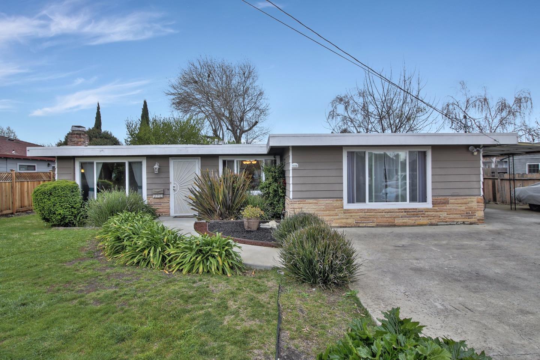 1375 Hollyburne Ave, Menlo Park, CA 94025