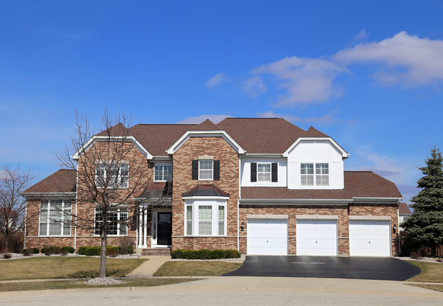 12530 Lions Chase Ct, Huntley, IL 60142