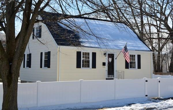 19 Glenview Rd, Quincy, MA 02169