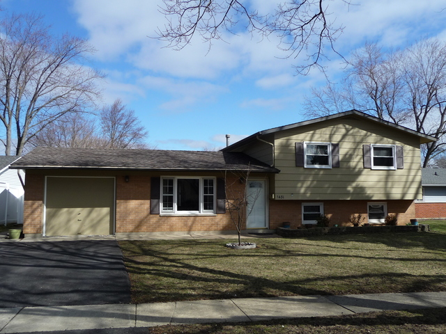 1431 Maplewood Ave, Hanover Park, IL 60133