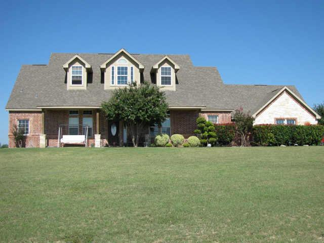 230 Canyon Creek Cir, Weatherford, TX 76087