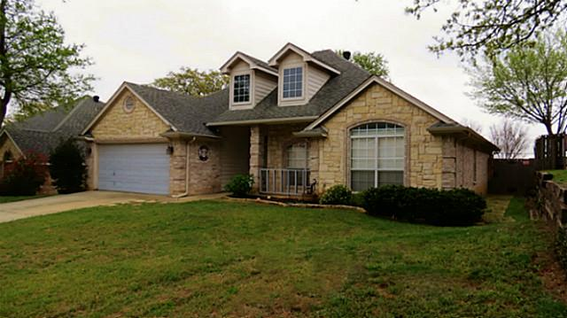 844 Forest Hollow Dr, Hurst, TX 76053