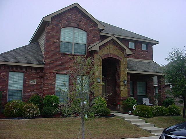 201 Cool Meadows Ln, Red Oak, TX 75154
