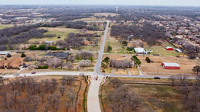 609 Forest View Ct, Hurst, TX 76054