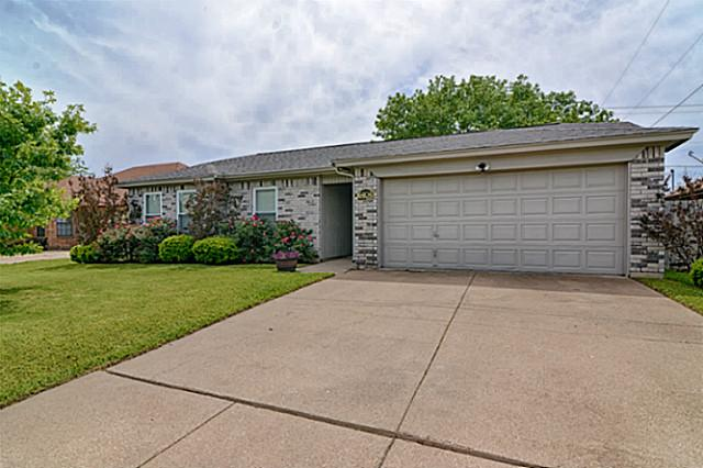 6404 Liberty Trl, Arlington, TX 76002