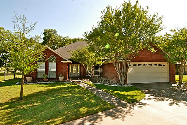 2204 Randy Ct, Granbury, TX 76049