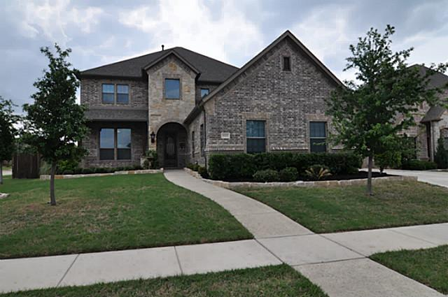 8001 Derby Run Dr, North Richland Hills, TX 76180
