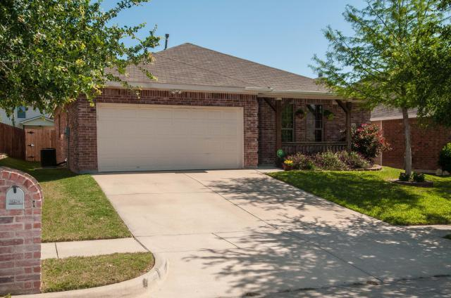 10628 Bluestone Rd, Fort Worth, TX 76108