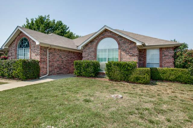 6501 Hightower Dr, Watauga, TX 76148