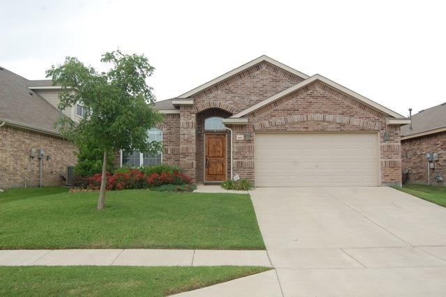 15633 Wheelhorse Trl, Roanoke, TX 76262