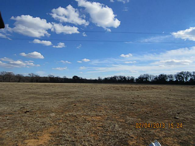 1605 acres in Bowie, Texas