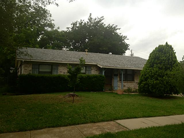 2116 Crockett Dr, Carrollton, TX 75006
