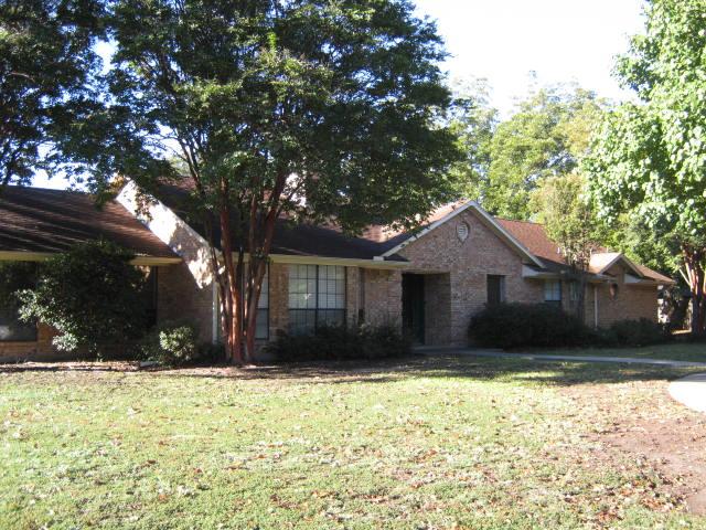 2121 Arbor Bend St, Bonham, TX 75418