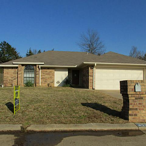 213 Sandy Ln, Paris, TX 75462