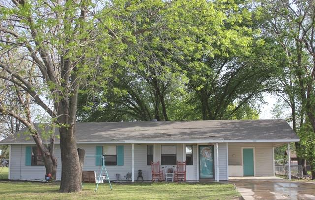 420 Brockett St, Collinsville, TX 76233