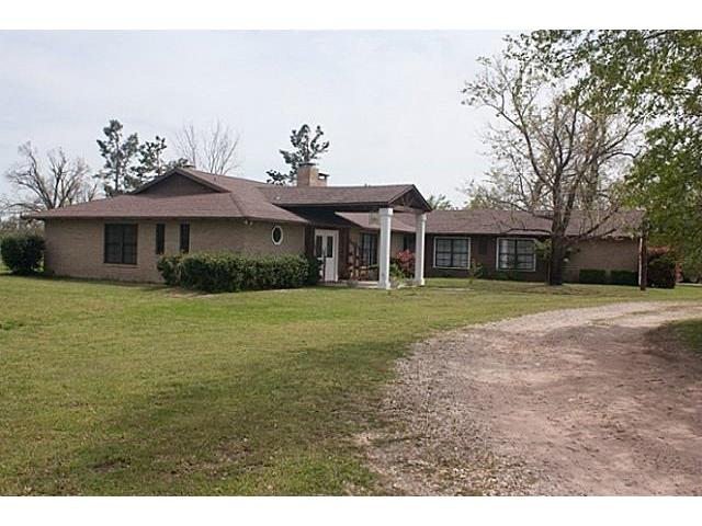 984 County Road 42450, Paris, TX 75462