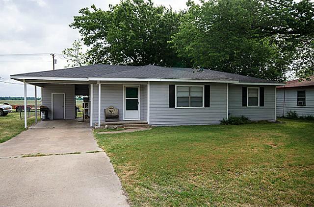 808 N Goodman Ave, Kerens, TX 75144