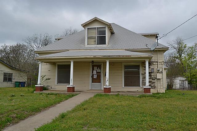 115 D St, Whitesboro, TX 76273