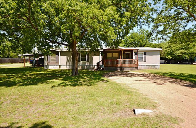 706 Pecan St, Forreston, TX 75146