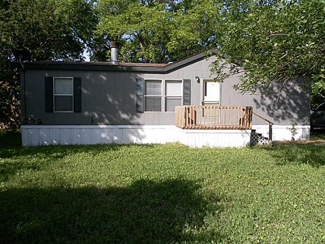 601 N Fordyce St, Blooming Grove, TX 76626