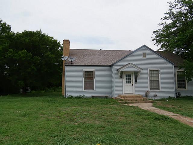 1000 W Main St, Honey Grove, TX 75446