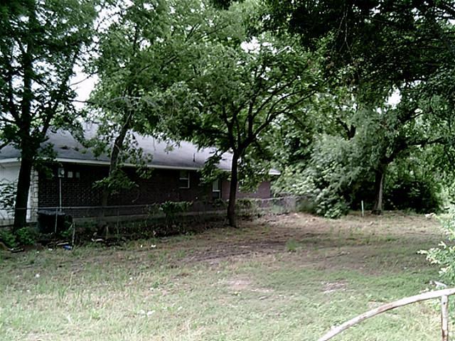 706 E Martin Luther King Boulevard E Waxahachie, TX 75165