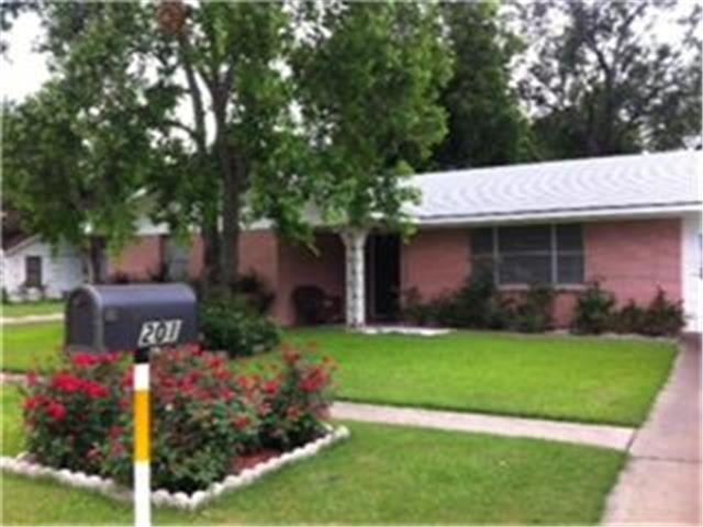 201 N Fordyce St, Blooming Grove, TX 76626