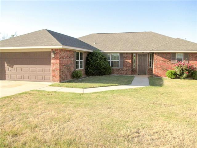 240 Half Moon Way, Runaway Bay, TX 76426