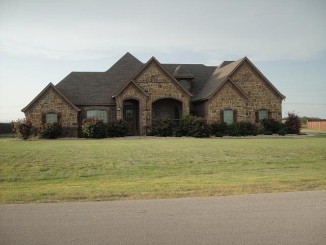 137 Mesquite Dr, Decatur, TX 76234