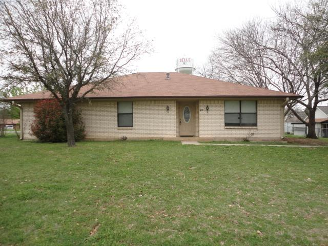 305 W Mcfarland St, Bells, TX 75414
